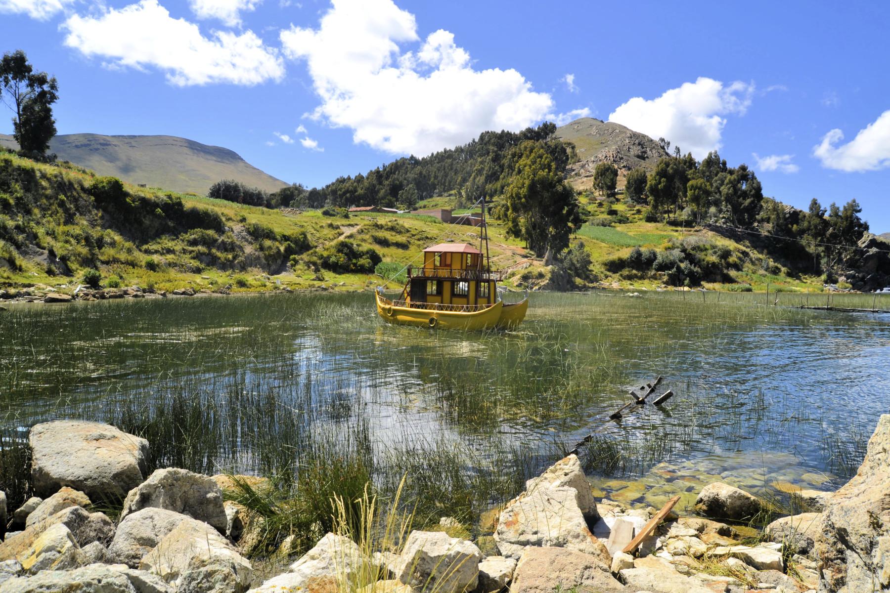 Titicaca lake reed boat